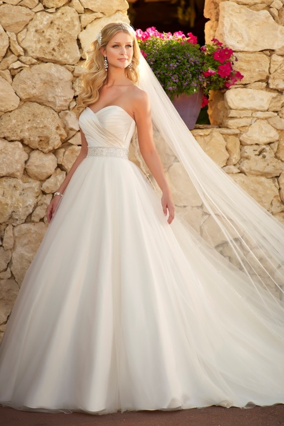 Here are some fancy dresses. There is all different kinds of wedding dresses.