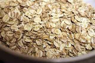 Oats: relieves dryness, restores moisture, and helps sooth minor irritations.