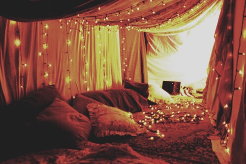 A pillow and blanket fort🛏🛏🛏- This is a great DIY for those days you just want to Netflix and chill while being comfortable🛋🛋🛋
