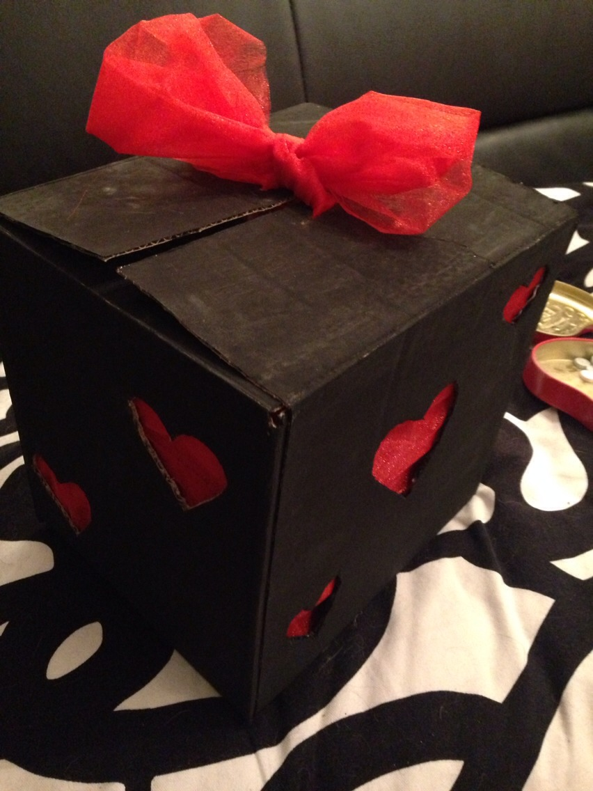 Seal your box with a lovely bow and it's ready to give away!!