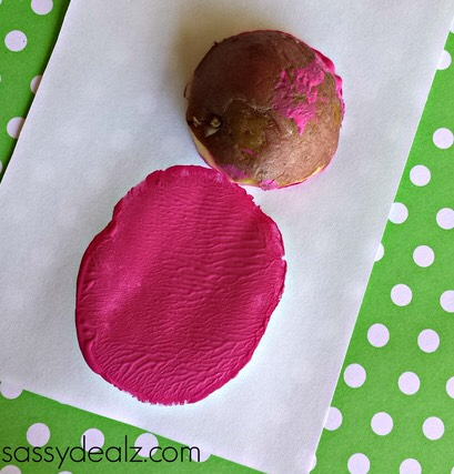 Step 2: Have your kids dip the potatoes into some paint and press them firmly against a piece of paper!