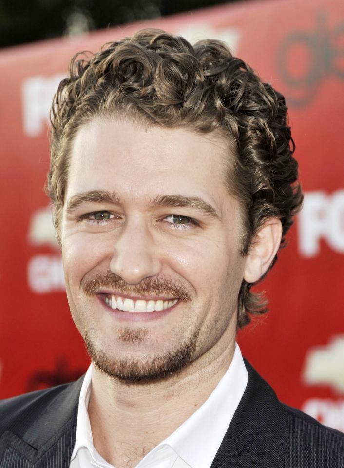 Matthew Morrison pulls off this great hair style for guys with curly hair who want to try the shorter hair route, but don't know what to do. It is a natural carefree hairstyle that run a little bit of hair product to give it that red carpet shine and it will be good to go.