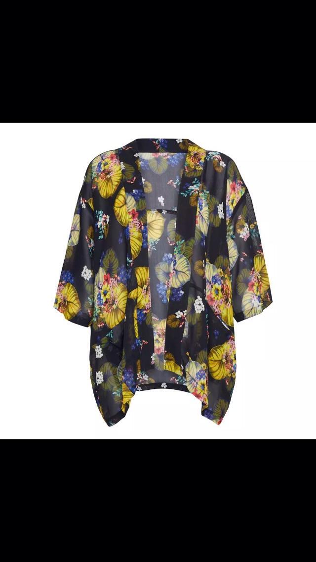 Kamona r in fashion lately,u can wear that with a plain tshirt n skinny jean