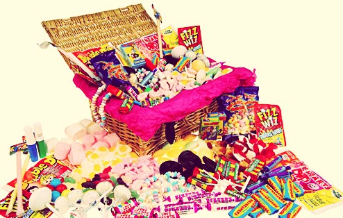 Has yourdaughter/friend got a sweet tooth? This is the perfect gift! The sweets it includes is: Double dip Fizz wizz Rainbow drops  Drum sticks Liquorice  Flying saucers Refreshers Love hearts Fried eggs Marshmallows Jelly beans Jelly babies Candy necklace and bracelet Candy ears  And hearts etc