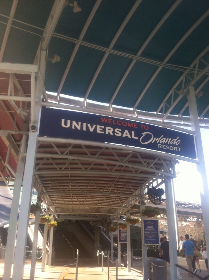 If you go to a theme park, where your Playlist live or a youtuber shirt!! There is a good chance that youtuber is either there or other fans are there