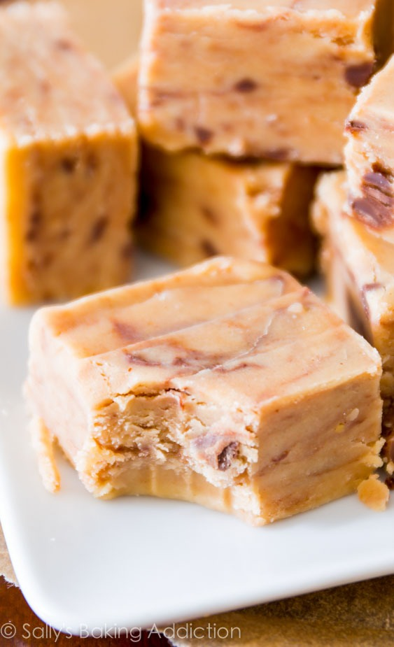 Ingredients: 1 cup (250g) creamy peanut butter* 1 cup (2 sticks or 230g) unsalted butter 1 teaspoon vanilla extract 1/4 teaspoon salt (optional) 4 cups (460g) sifted confectioners' sugar* 3/4 cup add-ins, such as chocolate chips, peanuts, or Reese's Peanut Butter Cups (optional)
