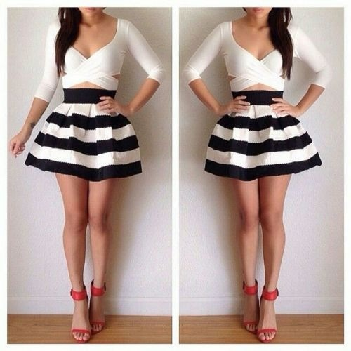 Stripes are in this summer! This outfit is everything!