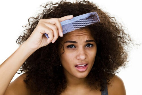 Once you have worked your way up, you should be able to move your comb back downwards without any tangles. However , if you do still find any nags or tangles, just repeat and baby the end of the tangle. NEVER rip through the tangle as this WILL break your hair! 🙅