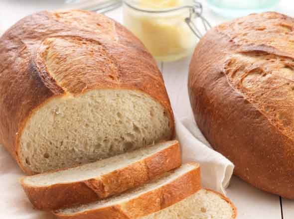 You can use almost any bread, I like sourdough, but Italian is most popular.