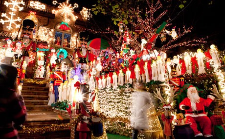 3. Marvel at Christmas Light Displays