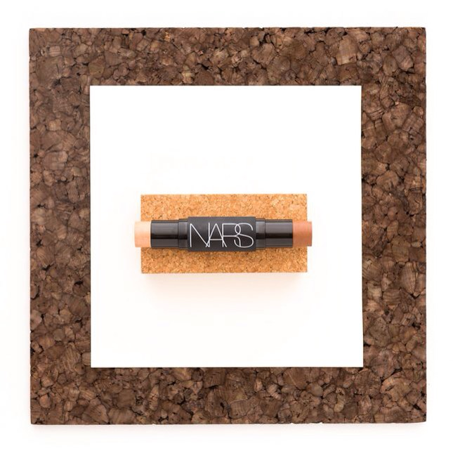 4️⃣NARS Sculpting Multiple Duo |Yep, you can get an entire five-minute makeover in one compact, dual-sided stick! One endof NARS Sculpting Multiple Duohas a cream bronzer for contouring, + the other end is packed with an illuminating highlighter to brighten for that luminous finish.