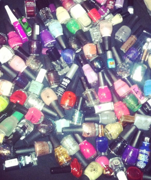 A perfect manicure starts with keeping your nail polish bottlesin the best condition they can be! Most of us have been taught since we were little that to shake up our polishes, we need to literally shake the bottle. Thistipwill prolong the lifespan of your bottles and give you the best manicure!