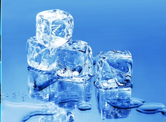It's recommended massaging an ice cube over your face until it melts. Do it every night before bed and keep fat cells, acne, and wrinkles under control.