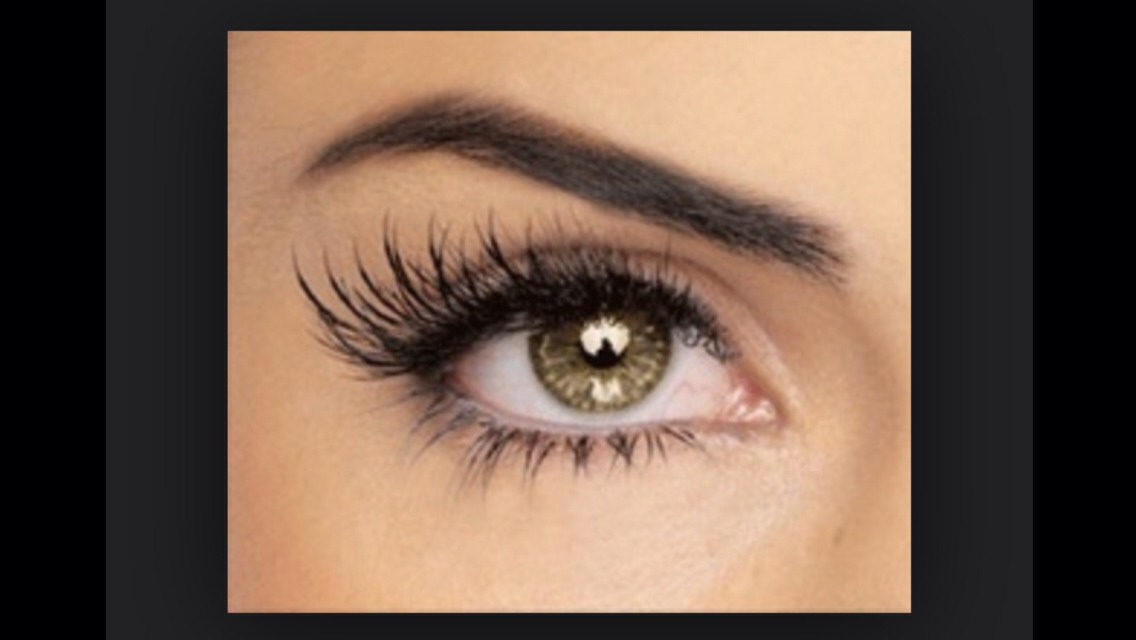 Simply apply GEL to your lashes right after to apply mascara to lock the curls.