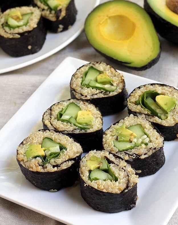 Avocado quinoa sushi! http://thesmartcookieblog.com/quinoa-avocado-sushi/