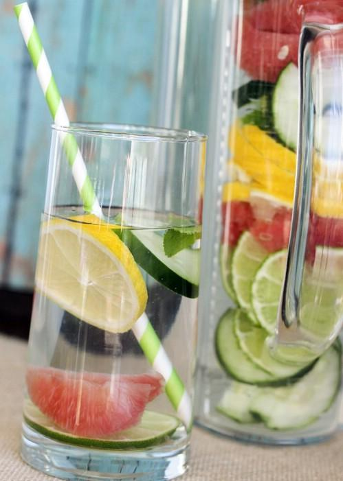 Ingredients: Water, 1/2 of a medium grapefruit, 1/2 a cucumber all sliced, 1/2 of a lemon, 1/2 of a lime and a couple of mint leaves