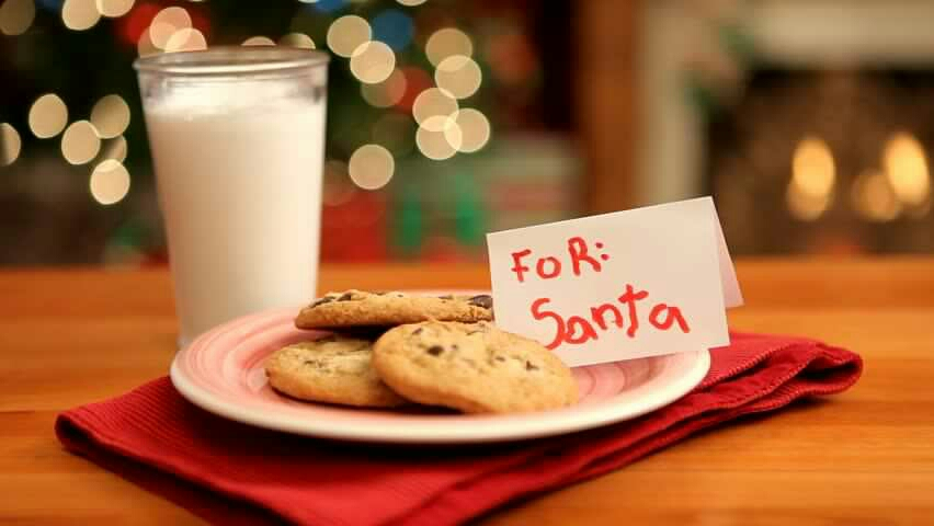 Leave a Santa hat laying by the milk & cookies. To make it look like Santa left his hat, maybe he was in a rush?! 🎅🍪🍶🍫🍭🎄🎁