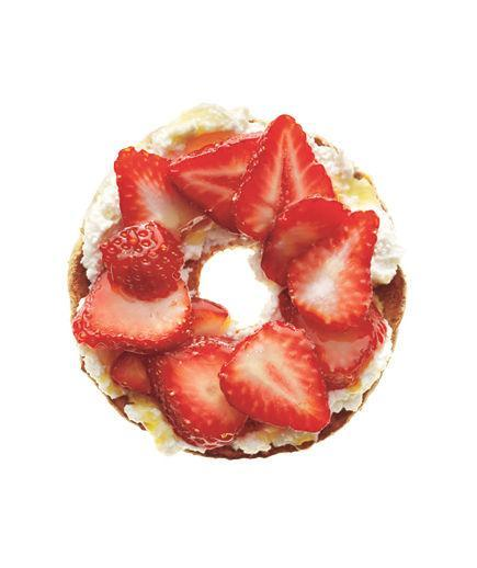 """Bagel With Ricotta and Strawberries  Spread ½ toasted whole-grain """"flat"""" bagel with 2 tablespoons fresh ricotta. Top with ⅓ cup sliced strawberries. Drizzle with 1 teaspoon honey or agave nectar.  148 Calories   4g Fiber   7g Protein   5g Fat  """
