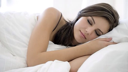 5. Sleep Away Weight Gain Make a point of turning in earlier and you'll see weight loss within a week. Research from the University of Pennsylvania found even just a few nights of sleep deprivation led to almost immediate weight gain.