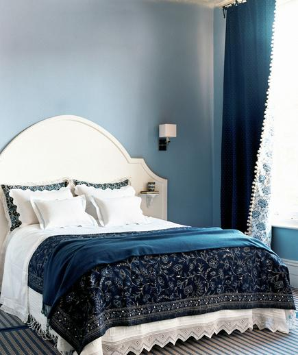 Shades of Blue If you choose to decorate your bedroom with one hue, be sure to vary the shades to create a calming vibe. Don't be afraid to mix patterns (florals and stripes live well together) to add visual interest.