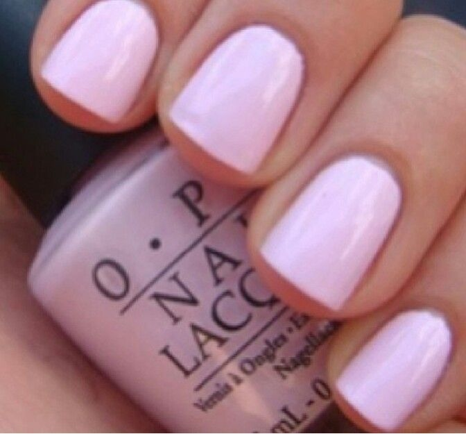 Next is her nails! 💅 she usually goes for natural colors like soft pinks or whites😎😊