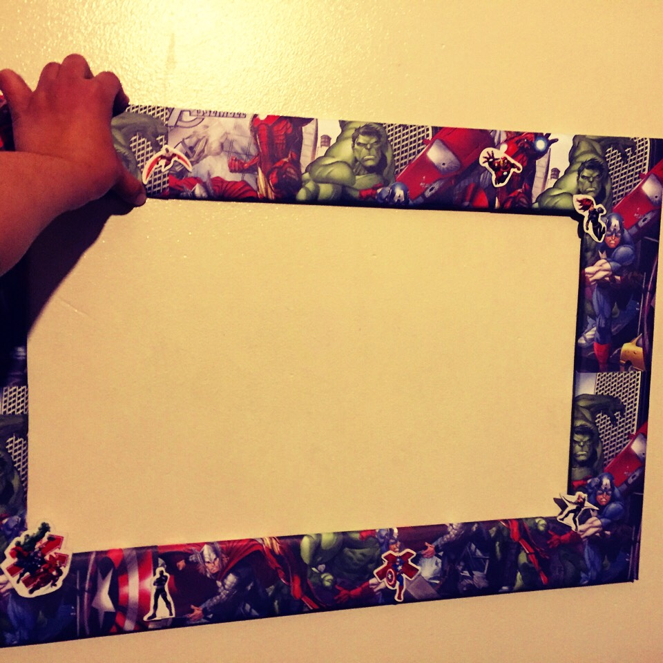 Diy Avengers Photo Booth Frame For An Awesome Avengers