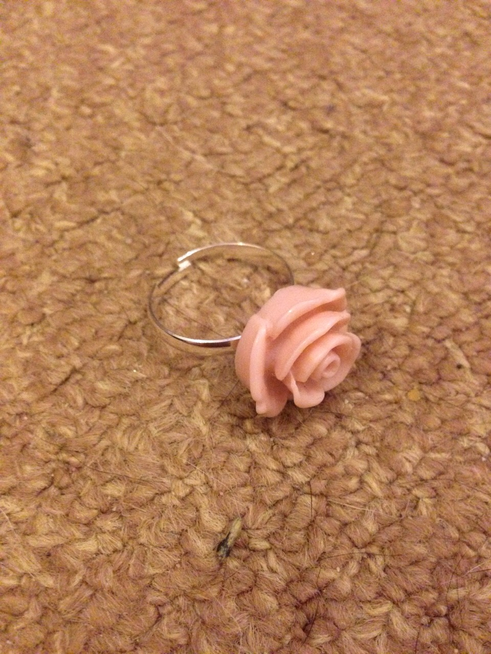 You need your ring (any costume jewellery ring you own) i'm using a beautiful pastel flower ring I got from a store in the UK
