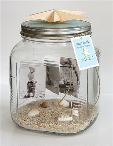 This is a wonderful way to display family photos without having to framing them.  You can create mementos of your summer vacations using photos, accessories, and a jar.