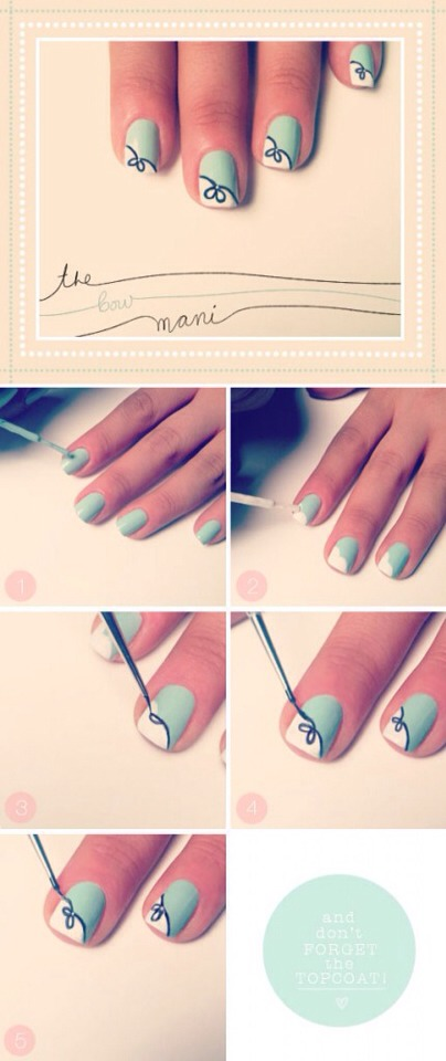 Floral design on the tips look fresh and beautiful!