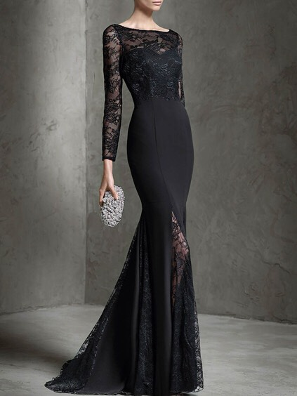 $72.59 http://m.romwe.com/Black-Boat-Neck-Long-Sleeve-Contrast-Lace-Dress-p-139838-cat-724.html