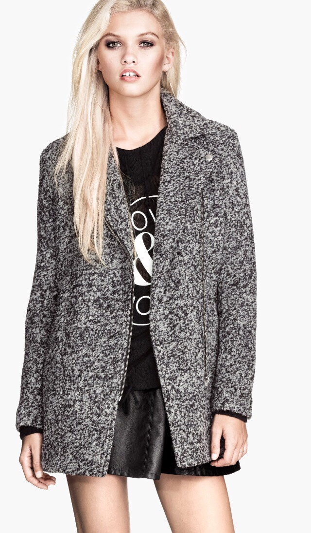 Once it gets to December I will def need a winter coat that keeps me warm. Most importantly I need a coat that is tasteful, so texture and prints with settle colors are a necessity for my coats. I saw this one at  H&M and I immediately was attracted to it. You can get it for $59.95