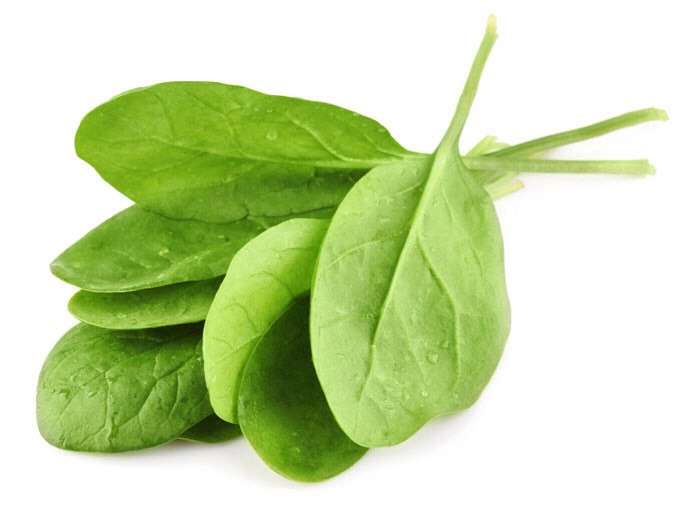 Spinach: The iron, beta carotene, folate, and vitamin C in spinach help keep hair follicles healthy and scalp oils circulating.