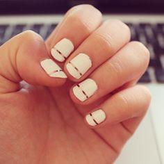 Single gold strip manicure