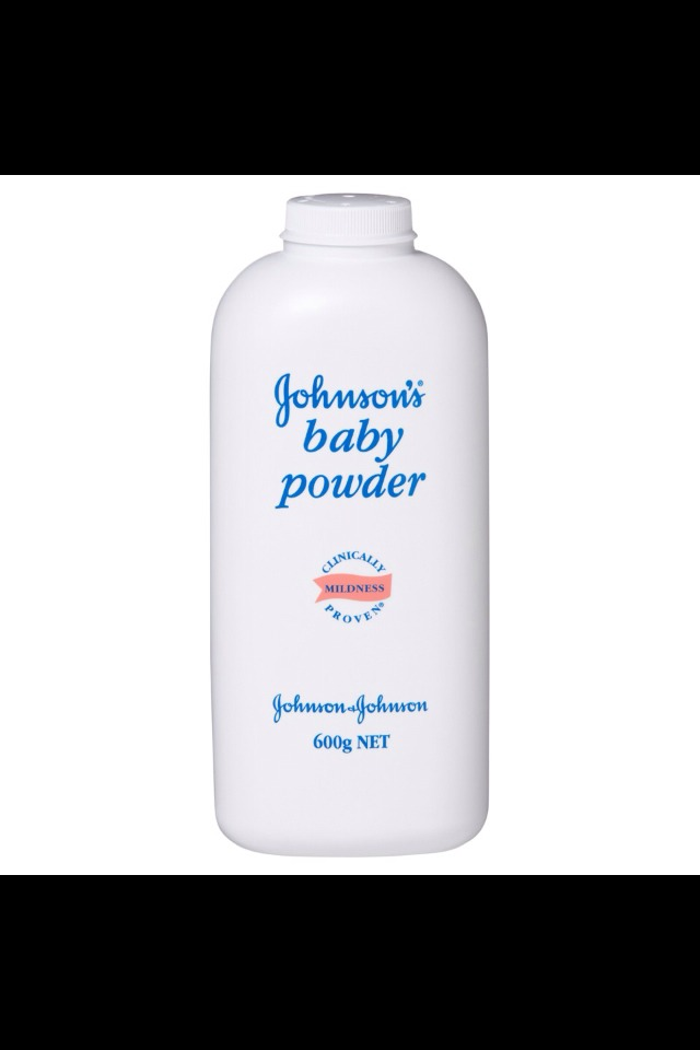Thirdly apply baby powder to the tips of your lashes