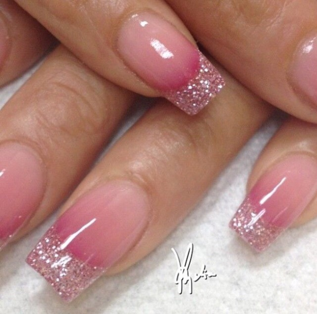 11. A BIT OF PINK TO GLAM THINGS UP