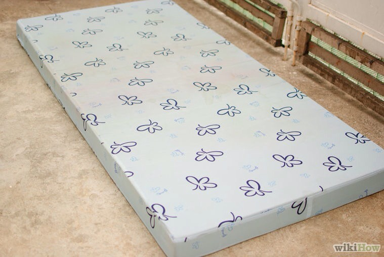 how to get mould out of a mattress