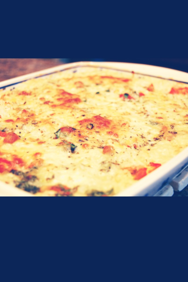 Make a quadruple batch of a casserole. Casseroles are nice, easy dishes to prepare, but on busy nights, it's often still easier to just order some take-out or eat out or just plop a prepackaged meal in the oven. Instead, the next time you make a casserole, make four batches, and save three.