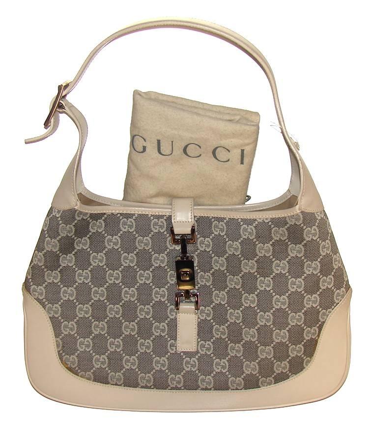 http://m.voices.yahoo.com/real-vs-fake-gucci-spot-fake-gucci-handbag-4520409.html