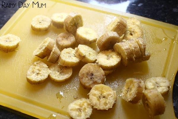 Once the 25 minutes are up, put the plantain on a chopping board and then cut it into thin slices.