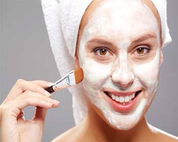 4) Use Natural Blackhead Remedies:  Try using natural blackhead removing remedies to increase overall curing process. Blackhead strips or dirt particles can be used to remove blockages from the skin.