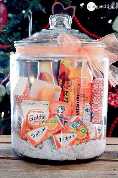 """""""Orange"""" You Glad It's Christmas?   Red and green are so predictable this time of year! :-) Add a little pizazz to the holiday with a splash of orange! Orange is such a happy color! This gift in a jar is limited only by your imagination (and the selection of orange items you can come up with.)💛"""