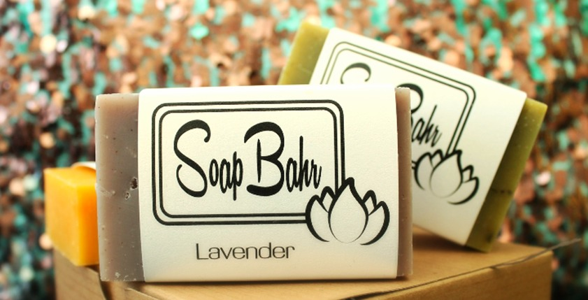Certified organic soaps come in 7 different scents. You can buy them individually or as a gift set.  Peppermint, lavender, citrus lavender, Shea honey oat, oatmeal spice, and lemongrass  www.soapbahr.com
