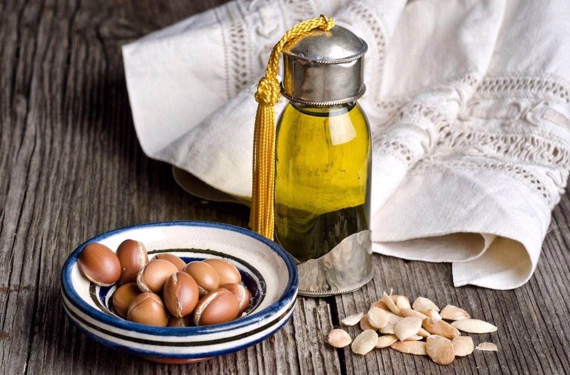 "Argan Oil Speaking of glowing skin, we must start with the king – Argan oil. Also known as ""Moroccan gold"", argan oil is one of the best natural oils for skin lacking luster. Thanks to its rich composition, it nourishes the skin, leaving it soft, supple + illuminated."