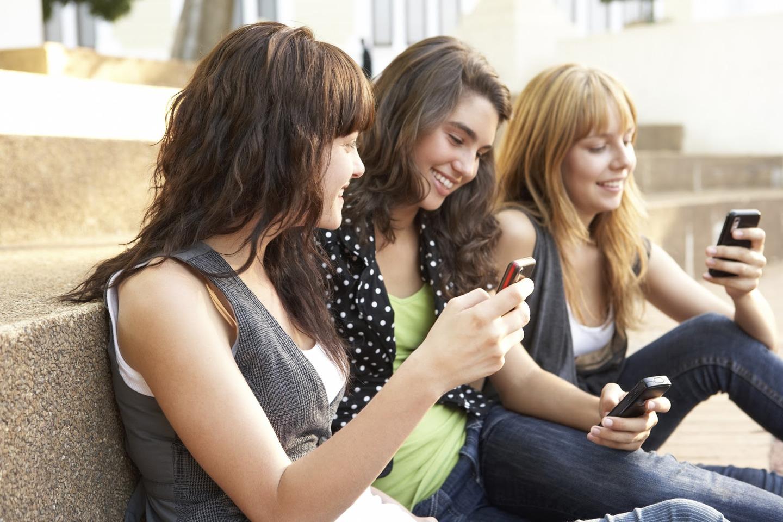 Телефоны для молодежи фото — 9