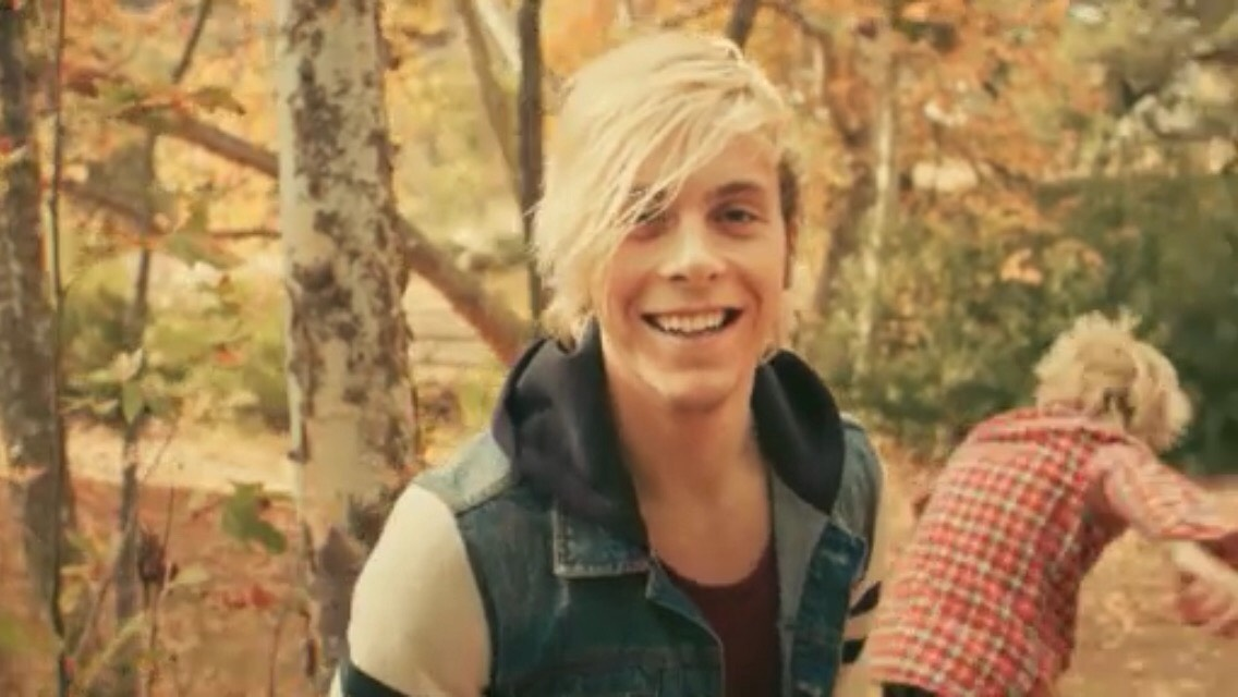 We have Riker Lynch, who plays bass, sings, and looks great while doing it. Riker plays Jeff the warbler on the hit series, Glee. Being the oldest in the band, makes him mature, yet very exciting, amazing, and a great person!❤️