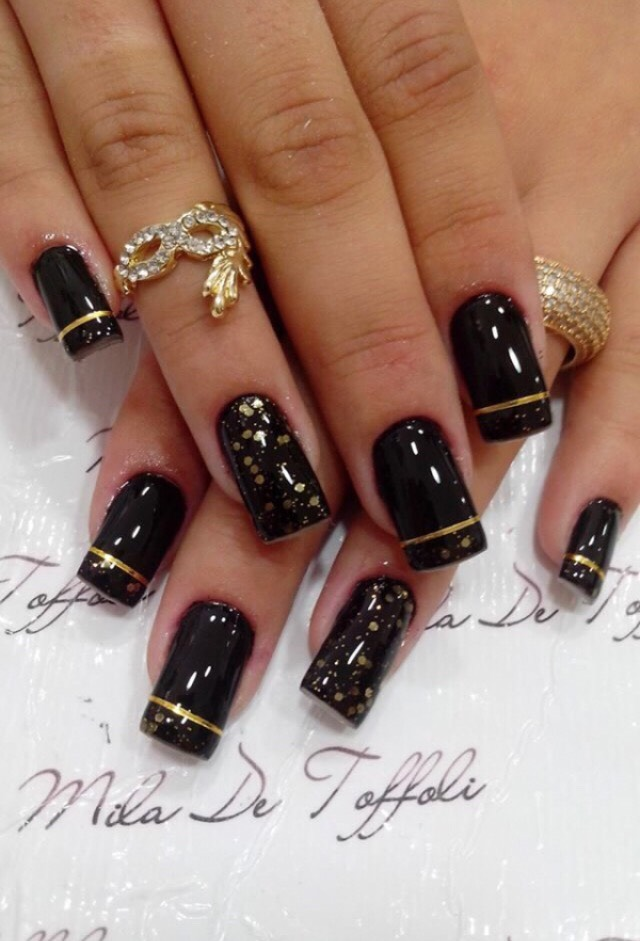 31. BLACK AND GOLD IS IDEAL FOR FORMAL EVENTS