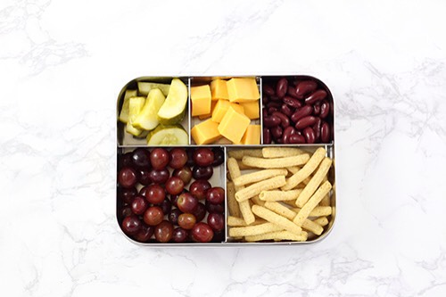 9 | The Ultimate Pickers Lunch ComboEvery once in a blue moon I'll skip dinner all together, pour a glass of wine & pick. These are some of my family's favorite picking foods. Feel free to pack your kid a juice box.  1. Cubed cheese 2. Dill pickles 3. Grapes 4. Kidney beans 5. Cinnamon apple str