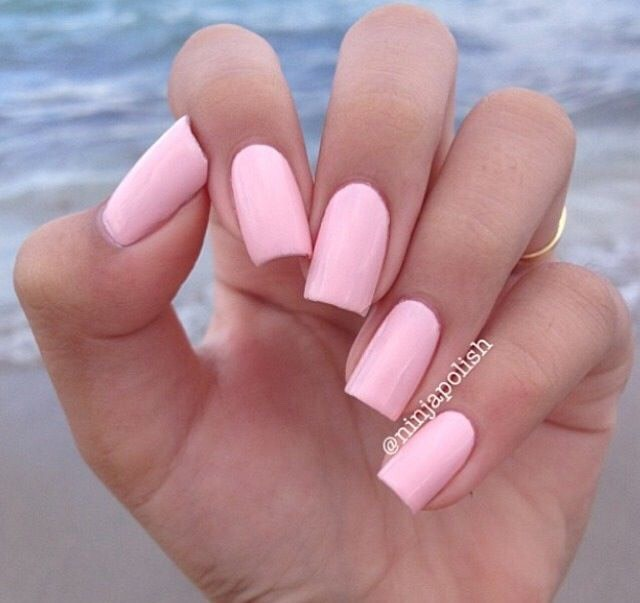 light pink nails - 640×603