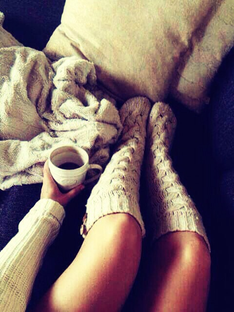 Fluffy socks or knitted socks work best, but normal socks are fine, just don't use polyester, pure cotton is way better for you.
