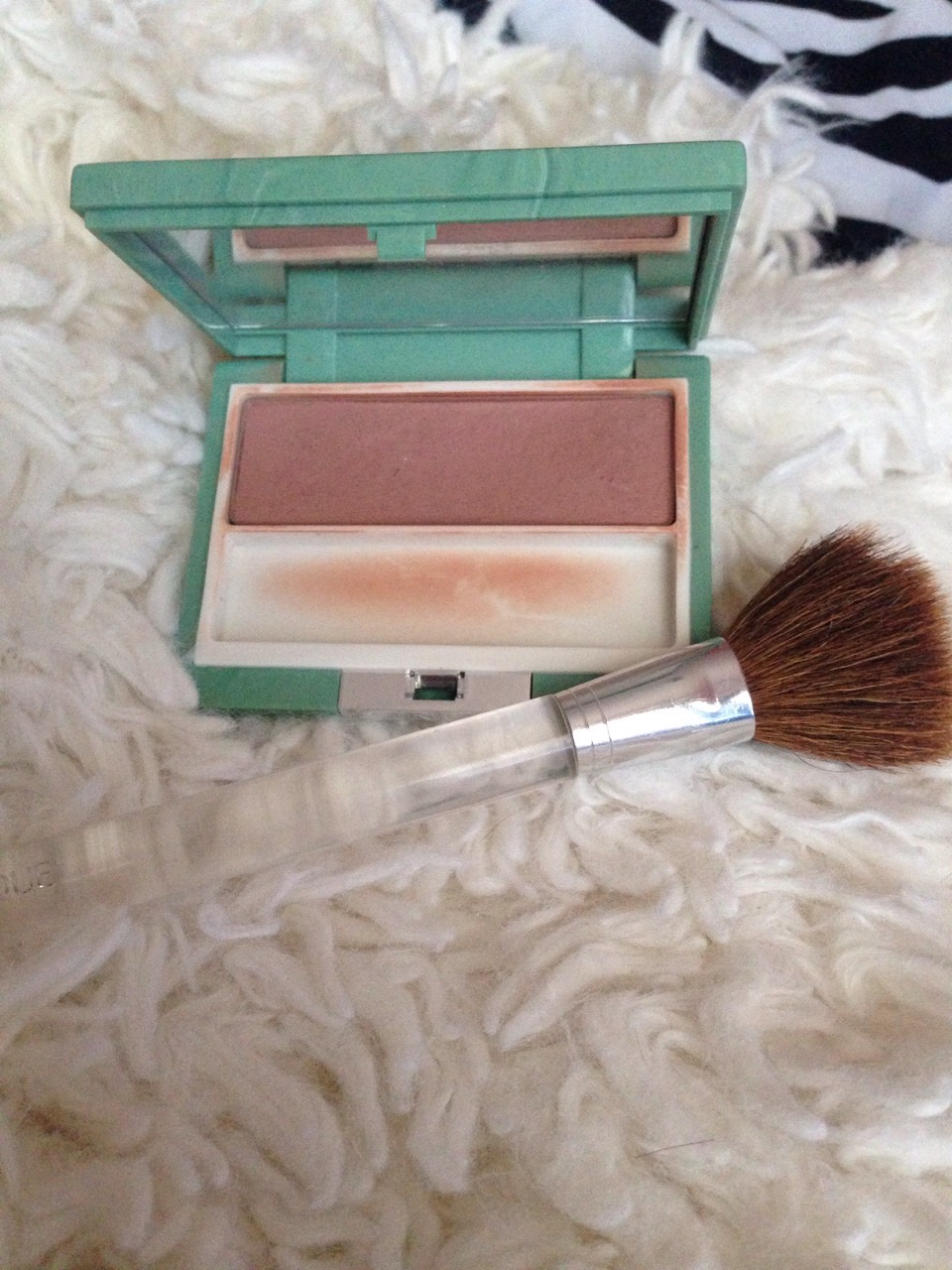 Clinque total tawny blush with clinque brush